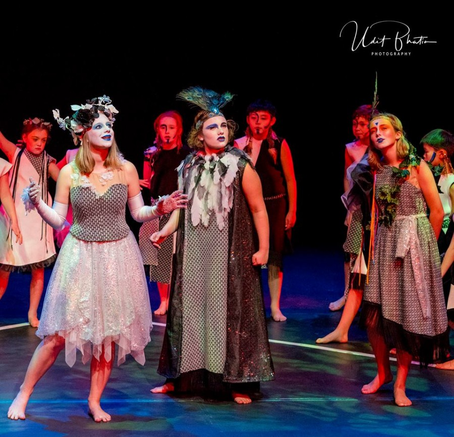 Midsummer Night's Dream: Professional English Drama Performed by Children